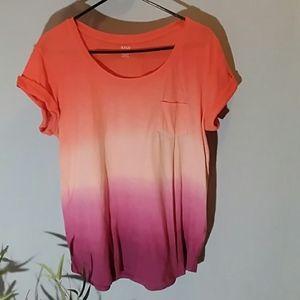 A.n.a pretty ombre t shirt size medium